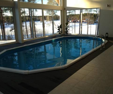 Även inomhus runt simbassänger kan trallen användas