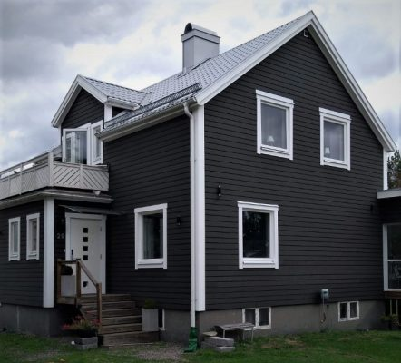 Fasadpanel mörkgrå